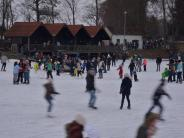 Winter: Eisplatz-Party am Bäumlesgraben