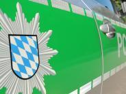 Kreis Aschaffenburg: Mann will Frau aus fahrendem Auto auf Autobahn stoßen