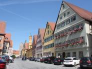 Landkreis: Bauhof, Theater oder Benefizkonzert?