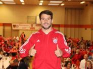Bopfingen: Juan Bernat besucht Bayernfans in Bopfingen