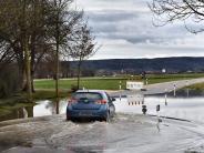 Verkehr: Hochwasser: Gesperrte Straßen wegen Überflutungen