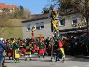 Umzug: Narri Narro in Neresheim: Fastnachtsumzug bei Sonnenschein