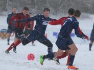 Landkreis: Fußballer trotzen der Witterung