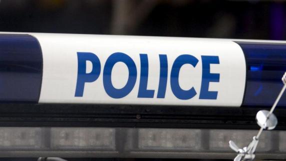 Auf den Champs-Élysées Schüsse in Paris - ein Polizist tot