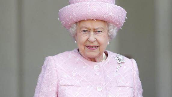 Bayern: Dinkelsbühler Bürgermeister lädt Queen ein: Antwort aus London ist da - Augsburger Allgemeine