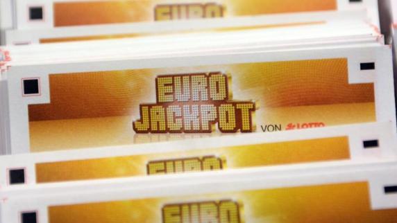 wer hat den eurojackpot gewonnen