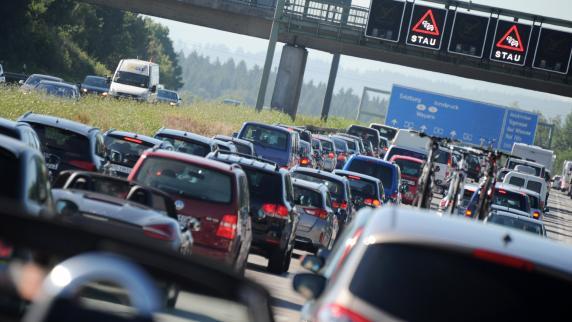 Staugefahr: Ferienbeginn in Bayern: Staus auf Bayerns Autobahnen