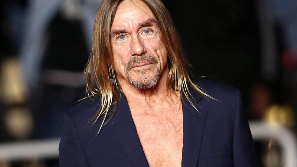 Film Iggy Pop ohne Hemd auf rotem Teppich in Cannes