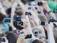 Gesellschaft: Handyfreie Konzerte:Moment genießen statt Fotos schießen