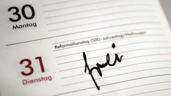 Uwe Becker fordert   Reformationstag soll dauerhaft Feiertag werden