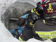 Riskante Bergung: Helfer retten weitere Überlebende aus verschüttetem Hotel