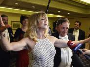 Gala in Wien: Richard Lugner mit Goldie Hawn beim Opernball im Glück
