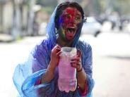 Bunt: Farbschlacht zum Frühling:Indien feiert Holi