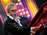 Markenzeichen bunte Brillen: Elton John wird 70
