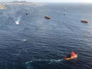 Fähre beschädigt Tankleitung: Fähre kracht in Kaimauer - Ölteppich vor Gran Canaria