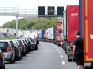 Verkehr: Verletzte bei Geisterfahrer-Unfall - Rettungsgasse klappt nicht