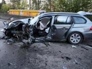Zwei Verletzte: Geisterfahrer-Unfall: Wieder keine Rettungsgasse gebildet