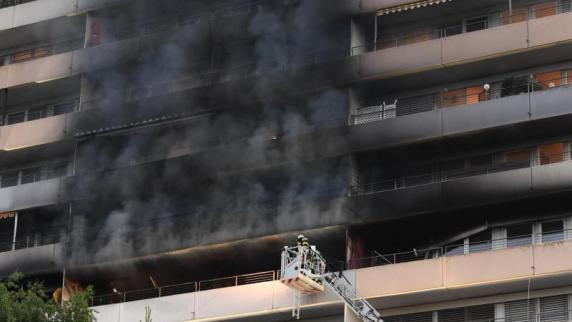 Zwei Tote bei Brand in Hochhaus bei Karlsruhe