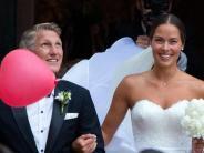 Twitter: Schweinsteigers Hochzeitstag: Liebesgrüße an Ana