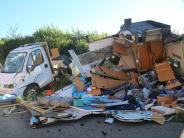 Reifen geplatzt: Wohnmobil überschlägt sich auf A7