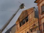 500 Jahre alten Rathaus: Nach Rathausbrand in Dillingen wird nach der Ursache gesucht