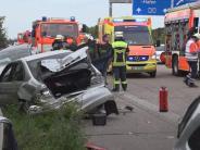 Nach Auffahrunfall: Autofahrer wenden in Rettungsgasse auf Autobahn