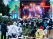 Besucher trotzen dem Regen: «MS Dockville Festival»: Ausgelassene Tanzparty im Matsch