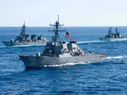 Singapur: Zehn Seeleute vermisst: US-Zerstörer erreicht nach Kollision Singapur
