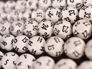 Oberfranken: 70-Jährige gewinnt aus Versehen fast zwei Millionen Euro im Lotto