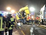 Transporter stellt sich quer: Drei Tote bei Unfall im Spessart - Vollsperrung auf der A3
