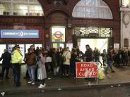 16 Verletzte: Massenpanik in Londoner U-Bahn wohl von Streit verursacht