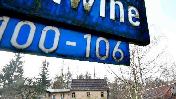 Brandenburgisches Dorf Alwine für 140 000 Euro versteigert