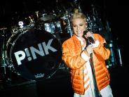 4. Februar: Pink singt Nationalhymne beim Super Bowl