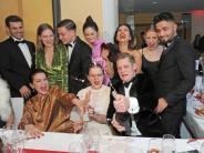 Champagner-Schlacht: Promi-Auflauf beim Deutscher Filmball in München