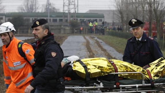 Zug entgleist bei Mailand entgleist - zwei Tote
