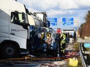 Baden-Württemberg: Vier Tote auf A5 - Gaffer-Unfall auf der Gegenfahrbahn