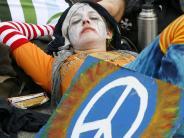 Protestzeichen: Peace-Zeichen wird 60: Ein Friedenssymbol geht um die Welt