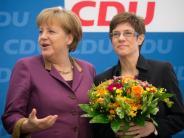 Kommentar: Mit Kramp-Karrenbauer sichert Merkel ihre Macht