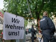 Asylbewerbercamp: Nach Hungerstreik: Staatsregierung überprüft Asylpolitik