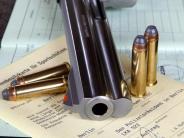 Österreich/Niederbayern: Bewaffneter Senior: Polizei nimmt 83-jährigen Waffenhändler fest
