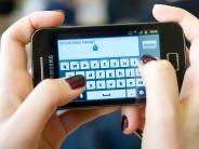 Smartphones: Wie sinnvoll ist ein Handyverbot an Schulen?