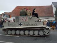 Brauchtum: Ermittlungen wegen Panzerattrappe «Asylabwehr» im Karneval