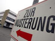 Bundeswehr: CSU-Innenexperte: Wehrpflicht bleibt eine Möglichkeit