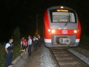 Leichte Sprache: Ein Mann hat Menschen in einem Zug verletzt