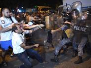 Armenien: Eriwan: Regierungsgegner erschießen erneut Polizisten