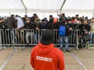 Flüchtlingskrise: Bamf rechnet mit maximal 300.000 Flüchtlingen in diesem Jahr