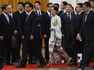 International: Myanmars Demokratie-Ikone Aung San Suu Kyi besucht Peking