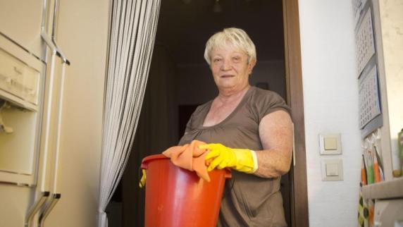 Medienbericht: Fast eine Million Rentner in Deutschland haben einen Minijob