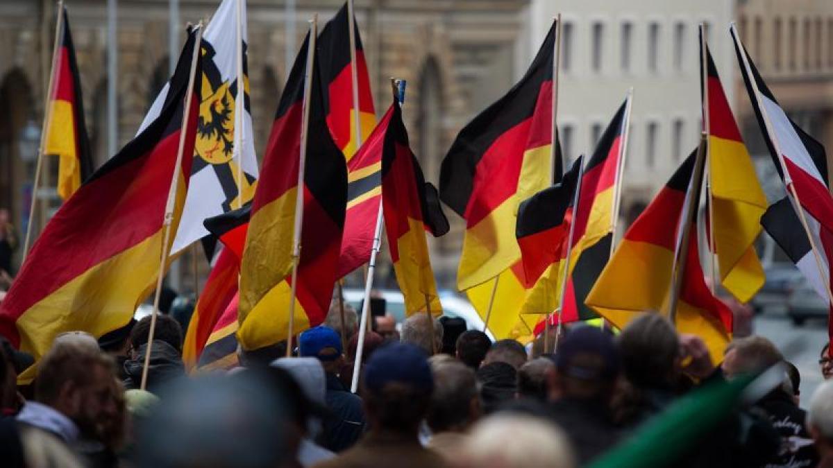 politik deutschland wieder in bautzen neue gewalt zwischen rechtsextremen und fluechtlingen id .