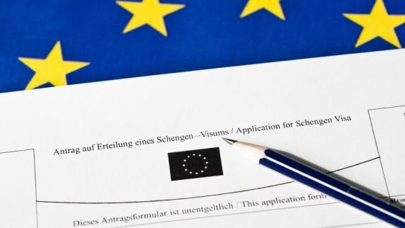 Mehr als 50 Länder betroffen : Nicht-EU-Bürgern drohen Einreisekontrollen nach
